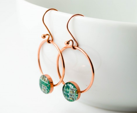 green ring earrings